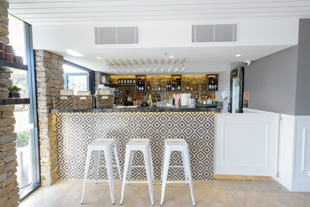 Sandstone Cafe - Bar 1